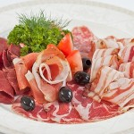 Ассорти итальянских колбас (прошутто, брезаола, салями Милано, коппа, пармская ветчина)