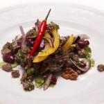 Салат из красной фасоли и говяжьей вырезки